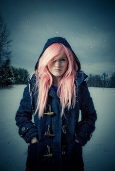i think pink hair looks best on snowy days :)