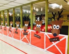 All for the little ones' Christmas joys! All for the little ones' Christmas joys! Christmas Hallway, Office Christmas Gifts, Christmas Cubicle Decorations, Christmas Themes, Office Decorations, Christmas Parade Floats, Polar Express Christmas Party, Theme Carnaval, Christmas Carnival