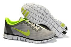 competitive price 70806 83261 Nike Free Homme Chaussures De Course Loup Gris VoltThese shoes look  extremely comfy and stylish.