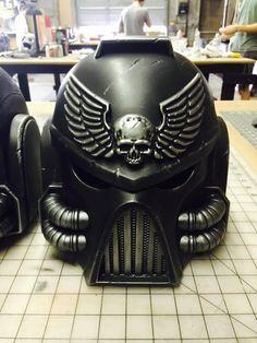 These Warhammer 40k Black Templar Champion Helmets Are Magnificent