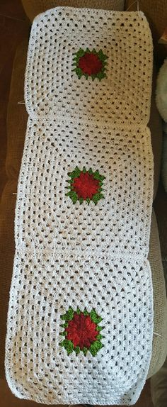 Pegando cuadros a crochet para un cubrecamas!!