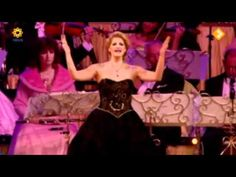 """▶ André Rieu and Mirusia Louwerse - Don't cry for me Argentina """"Evita"""" (Maastricht 2011) - YouTube"""