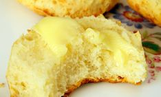 This recipe for cheese scones only requires 4 ingredients and will be in and out of the oven in 15 minutes - how convenient!