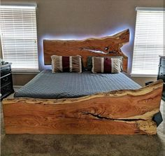 Furniture For Sale Online Referral: 9744931619 Easy Woodworking Ideas, Woodworking Bed, Woodworking Workshop, Bed Frame Design, Bed Design, Diy Bett, Scrap Wood Projects, Project Projects, Creation Deco