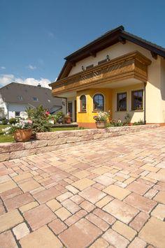 Das quicklebendige Terrassenpflaster mit der riesigen Format-Vielfalt. Mit KANN Via Vecia schaffen Sie lebhafte und abwechslungsreiche Muster.
