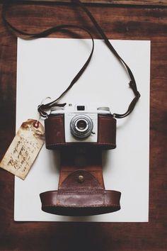 Vintage Camera Old camera. Antique Cameras, Vintage Cameras, Dslr Photography Tips, Love Photography, Pregnancy Photography, Photography Equipment, Vintage Photography, Landscape Photography, Portrait Photography