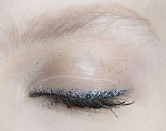 Make-up at No.21 Fall 2014 #glitter #eyeliner