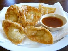 Crab Rangoon Recipe  Makes 36 wontons, enough for 6 as a snack  Filling: 1 (3-ounce) package cream cheese or Tofutti cream cheese, at room temperature ¼ pound crab meat 2 tablespoons finely chopped scallion, white and green parts ¼ teaspoon ground black pepper ½ teaspoon A-1, Tonkatsu, or Worcestershire sauce 1/8 to ¼ teaspoon garlic powder Salt