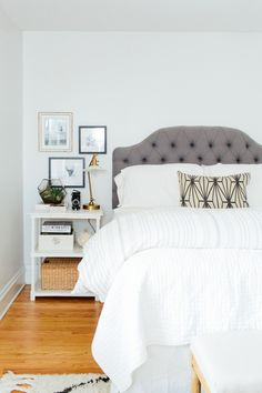 The Everygirl Cofounder Danielle Moss' bedroom #theeverygirl