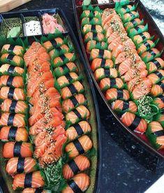 Make Sushi Photo Sushi Recipes, Asian Recipes, Healthy Recipes, I Love Food, Good Food, Yummy Food, How To Make Sushi, Food To Make, Exotic Food