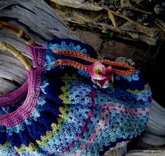 I like the way this granny bag is finished.