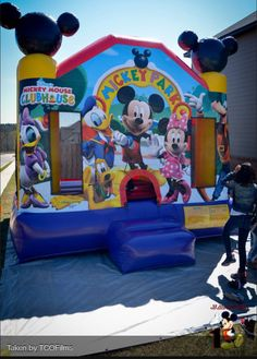 Bouncy house for the older kids after face painting