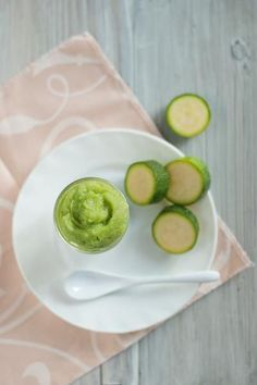 Homemade Zucchini Baby Food by Little Mashies Reusable food pouches. #food #babyfood #firstfood