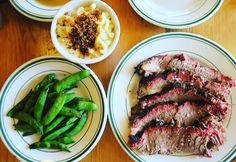 Brisket mac&cheeeeese! Yummy  ほろほろブリスケットと美味しいマカロニチーズたまりまへん アメリカのダイナー巡りしてみたい . . . #portland #america #usa #oregon #trip #travel #worldtraveler  #brisket #americanfood #macandcheese #meat #lunch #portlandfood #americanfood #yummy #food #foodie #肉 #世界のごはん