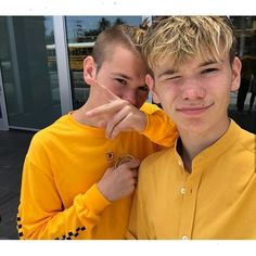 Just landed in Norway, and now we're ready for the concert tomorrow in Halden! Who else is ready? Twin Boys, Twin Brothers, Pretty Boys, Cute Boys, Tie Dye Heart, Love Twins, Bars And Melody, Dream Boyfriend, Girls Fashion Clothes