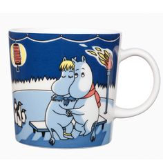 Moomin winter season mug Light Snowfall, features Moomintroll from the book Moominland Midwinter. The design is based on Tove Jansson's original artwork which Tove Slotte has interpreted in this lovely mug. Tove Jansson, Moomin Mugs, Fuzzy Felt, Marimekko, Ceramic Cups, Stop Motion, Mug Cup, Finland, Original Artwork