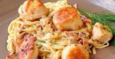 Laissez-vous séduire par sa sauce crémeuse et son bacon Bacon Scallops, Pan Seared Scallops, Seafood Recipes, Paleo Recipes, Cooking Recipes, Yummy Recipes, Tasty Videos, Budget, Pork Chops