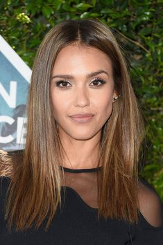Jessica Alba Long Straight Cut - Jessica Alba gave us serious hair envy with this super-sleek hairstyle she wore to the Teen Choice Awards 2016.