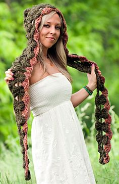 Ravelry: Shell Scarf Hoodlet Crochet Pattern pattern by Jackie Moon Seriously want one of these! Crochet Hooded Scarf, Crochet Scarves, Crochet Shawl, Crochet Clothes, Knit Crochet, Crotchet, Crochet Woman, Love Crochet, Easy Crochet Patterns