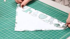 See How to Sew an Easy Pet Bandana - IneRessl - Pet Fashion Puppy Bandana, Dog Collar Bandana, Diy Dog Collar, Cat Bandana, Pet Collars, Easy Pets, Dog Clothes Patterns, Dog Crafts, Dog Items