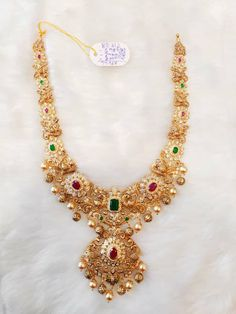 Indian Jewelry Earrings, Indian Jewelry Sets, Jewelry Design Earrings, Gold Earrings Designs, India Jewelry, Necklace Designs, Jewelry Necklaces, Gold Designs, Diamond Jewelry