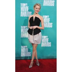 Emma Stone's 19 Red Carpet Risks That Seriously Paid Off Emma Stone Red Carpet, Emma Stone Style, Old Hollywood Style, Mtv Movie Awards, Couture, Celebs, Celebrities, Red Carpet Looks, Red Carpet Fashion