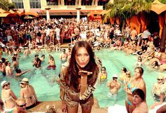http://s1.favim.com/orig/24/party-pool-pool-party-separate-with-comma-summer-Favim.com-219023.jpg