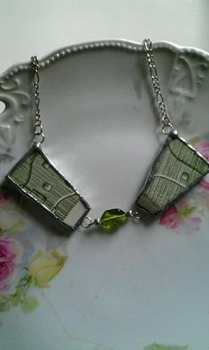 Green Broken China Bow Tie Necklace by Mysticglassduo on Etsy, $35.00 Broken China Crafts, Handcrafted Jewelry, Unique Jewelry, Soldering Jewelry, China Jewelry, Jewelry Crafts, Crochet Bikini, Objects, Dish