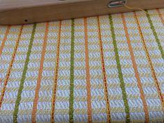 Linen and cotton towels Susanna Riach www. Weaving Designs, Weaving Projects, Weaving Patterns, Knitting Patterns, Dish Towels, Tea Towels, Dobby, Weaving Techniques, Cotton Towels