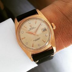 A very fine and extremely rare rose gold 6075 with diamond indexes