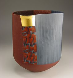 Thomas Hoadley | #796 - Tall Vassel.   Colored porcelain, gold leaf