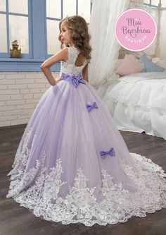 2017 Lace Appliqued Flower Girls Dresses Beautiful Purple and White Princess Dress Beaded Bows Pageant Gowns for Kids Wedding Party White Princess Dress, Princess Flower Girl Dresses, Wedding Flower Girl Dresses, Lace Flower Girls, Toddler Princess Dress, Wedding Dresses For Kids, Dress Wedding, Wedding Flowers, Wedding Rings