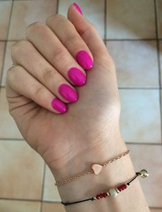 rounded nails, gel nails, fucsia fluo - passioneunghie