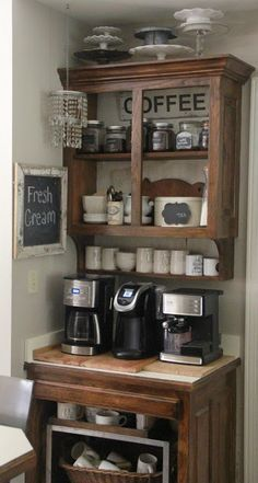 DIY Coffee Bar Ideas – Stunning Farmhouse Style Beverage Stations for Small Spaces and Tiny Kitchens elselem? - Style Of Coffee Bar In Kitchen Coffee Bar Station, Coffee Station Kitchen, Home Coffee Stations, Beverage Stations, Coffee Corner Kitchen, Coffee Nook, Coffee Bar Home, Coffee Wine, Coffee Maker