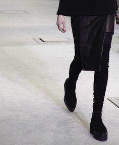 want those boots baaaaaaaaaad = anybody know who makes them??
