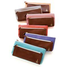 Dailylike Two pocket french pen case (http://www.fallindesign.com/dailylike-two-pocket-french-pen-case/)