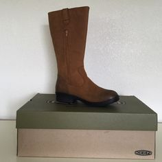 """Keen Woman's Tyretread Waterproof Boots 9.5 Brand new w box sz 9.5; color: deer tan  Weather:   Light Rain - not for puddles Gender:   Women Upper:   Leather Lining:   Moisture wicking textile Rubber:   Non-marking rubber outsole Collar Height:   35.56cm/14"""" Calf Circumference:   34.29cm/13.5"""" Heel Height:   3.81 cm/1.5"""" Keen Shoes"""