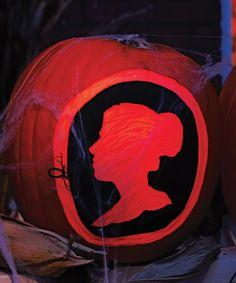 Spooky cameo pumpkin carving. #halloween #diy #pumpkins