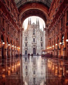 """(@travelsfever): """"Magnificent view at Duomo square ~ Milan, Italy. Photo by @jan9.0"""""""
