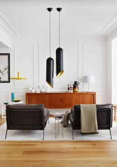 So, here are some midcentury modern living room designs for you. window, one can see the surrounding from the living room with black and white colors. Estilo Interior, Home Interior, Interior Ideas, Luxury Interior, Apartment Interior, Living Room Inspiration, Interior Design Inspiration, Design Ideas, Design Projects