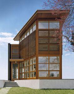 Roger Ferris + Partners , completó la Casa de sonido, una moderna residencia ubicada en Fairfield, Connecticut, EE.UU. . La casa presenta...