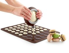 Macaron Baking Kit - This macaron baking kit simplifies the finicky task of baking this french pastry. One bite of a macaron and most people are hooked. Bolo Macaron, Macaron Cookies, Decoration Patisserie, Baking And Pastry, Cake Baking, Baking Pan, Pastry Cake, Baking Tools, Baking Gadgets