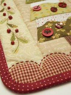 Not a whole quilt picture or pattern, but you get the idea ~ It must be pretty.
