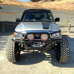 Save by Hermie Toyota Pickup 4x4, Toyota Trucks, Lifted Ford Trucks, Chevy Trucks, Chevy C10, Pickup Trucks, Toyota Tacoma Off Road, Toyota Tacoma Prerunner, Toyota Hilux
