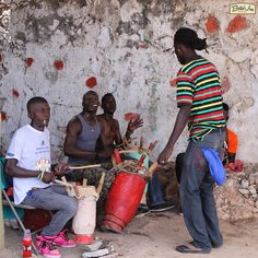 Apart from the obvious, Forts and Caves are places where the population go to connect with the spirits...drumming and makeshift peristyle in Fort Picolet.