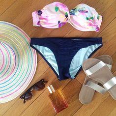 Sunshine essentials.   photo cred: @kristendtella