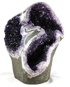 Raw amethyst geode sculpture. I want this in my dining room!