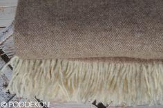 Svetlohnedá deka merino mohérová so vzorom rybia kosť. Herringbone, Blanket, Blankets, Cover, Comforters, Herringbone Pattern