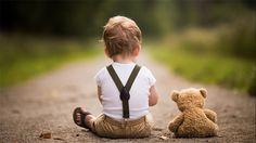 Um pai vira fotógrafo para registrar os momentos da infância do filho