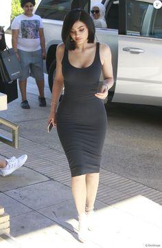 Kylie Jenner fait du shopping chez Barneys New York à Beverly Hills, Californie…